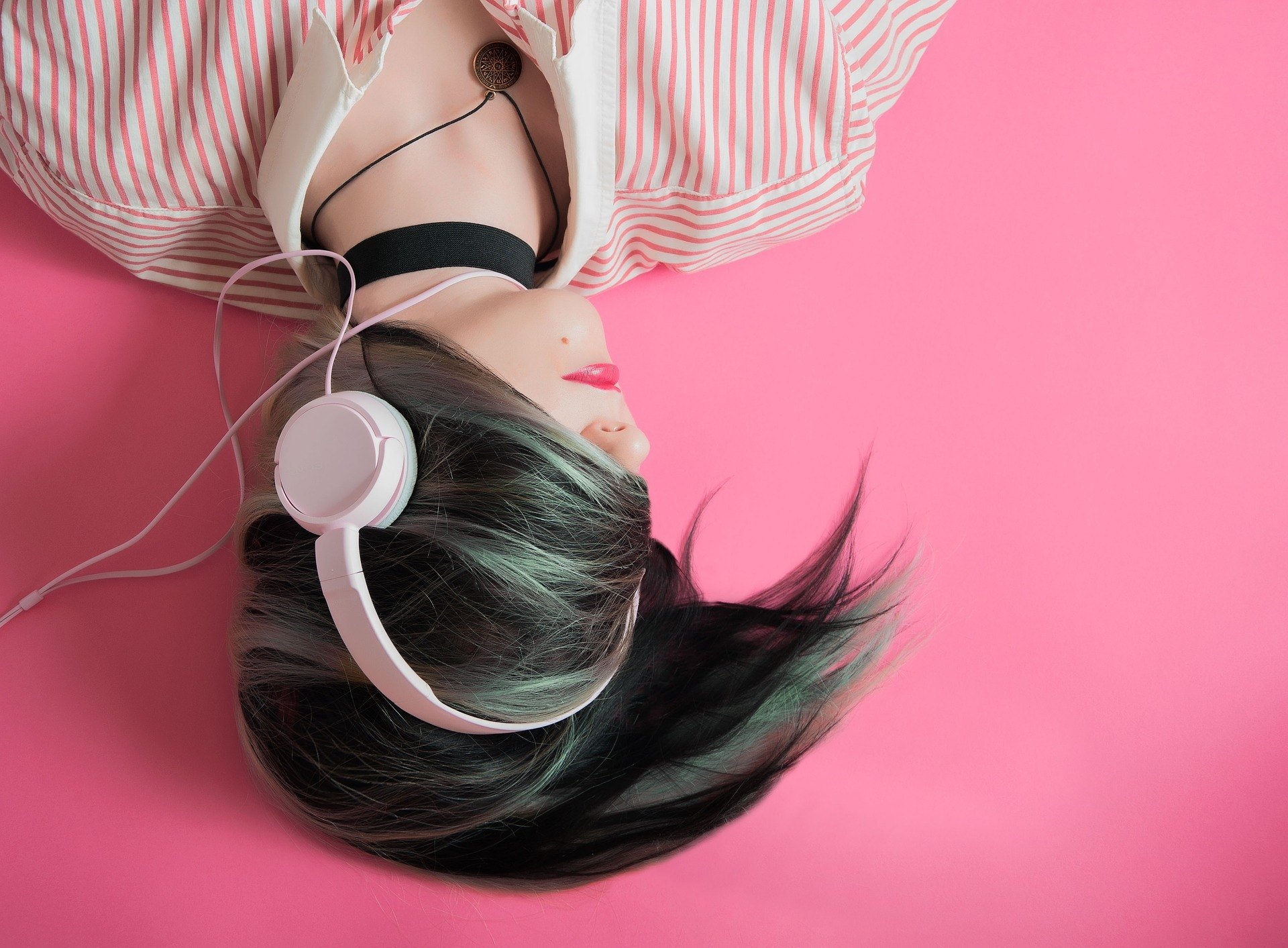 successful people listen to music
